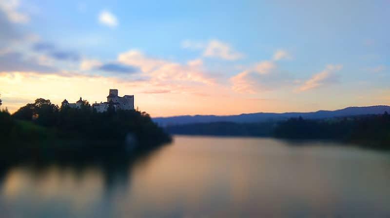 Zamek w Niedzicy - widok z zapory Czrosztyńskiej