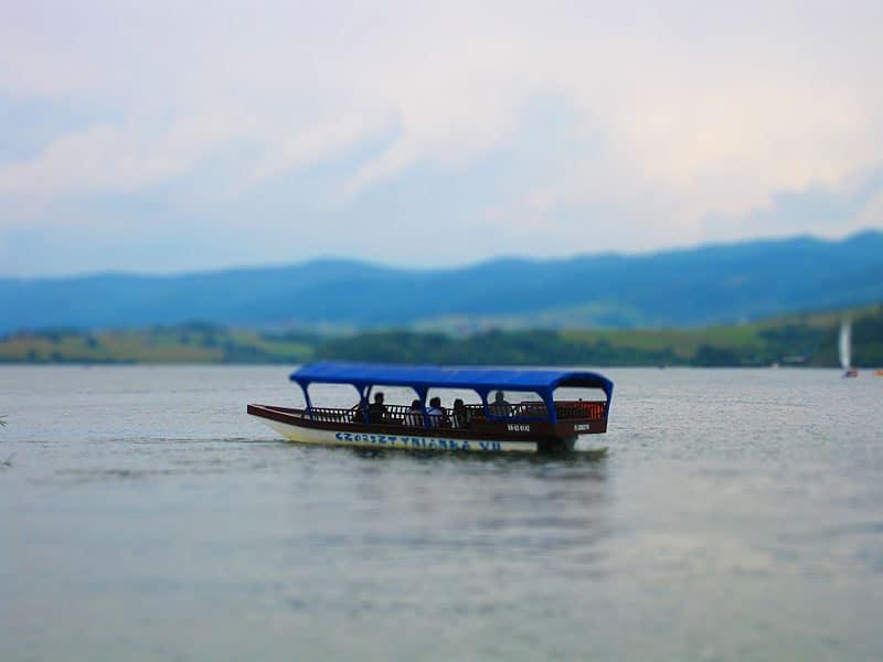 Chińska barka Czorsztynianka na jeziorze Czorsztyńśkim