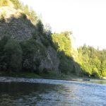 Kajaki płynące po Dunajcu - widok na Przełom