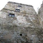 murowana wieża z oknami Zamku Niedzica