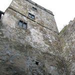 Zwiedzanie wnętrza zamku niedzica - widok na wieżę