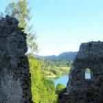 pozostałości murów zamku czorsztyn