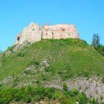 widok na zamek czorztyn z promu